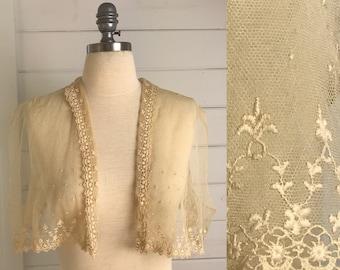 1800s Victorian Bridal Coverlet / Antique Handmade Lace Bridal Capelet / Victorian Heirloom Bridal Wrap / Bridal Cape / Victorian Bridal
