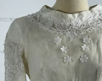 1960s Custom-Made Vintage Wedding Dress / 1960s White Vintage Wedding Dress with Alencon Lace and Pearls and Detachable Cathedral Train