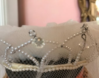 1950s Vintage Bridal Tiara / Vintage Tiara with Swarovski crystals / Vintage Bridal Headpiece   vintage bridal veil   vintage bridal crown