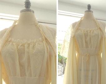 1950s Vintage Peignoir Set in Yummy Pale Yellow / Never Worn / Vintage 1950s Bridal Lingerie Set / Sexy Vintage Bridal Lingerie / Size Small