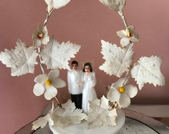 1950s Vintage Bride Groom Wedding Cake Topper / Vintage Wedding Cake Topper / Midcentury Wedding Cake Topper / Vintage Wedding Decor
