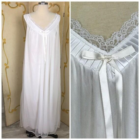 1950s Vintage White Peignoir Set | Vintage 1950s B