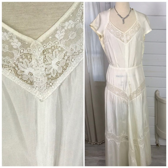 1930s Vintage Ivory Casual Wedding Dress with Peek