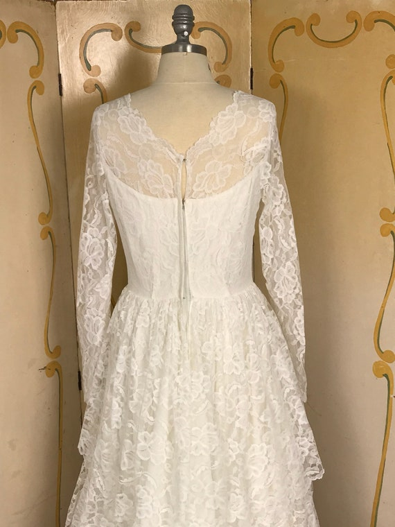 1950s Vintage Tiered Chantilly Lace and Tulle Wed… - image 5