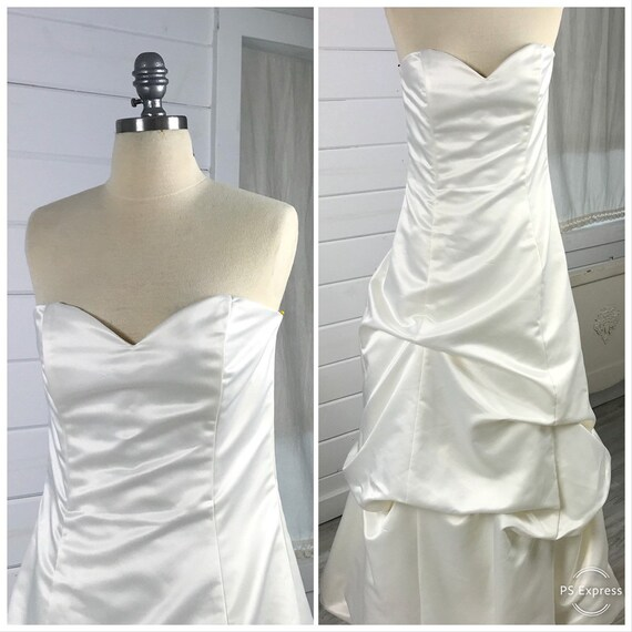 1990s Vintage Jessica McClintock Gathered Bridal G