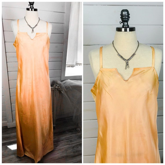 1940s Vintage Peach Slip Dress | 1940s Slip | Casu