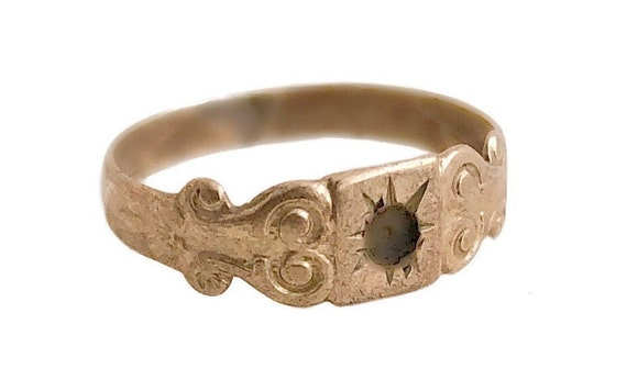 Antique Signet Ring - 10k Rosy Yellow Gold 1800s M