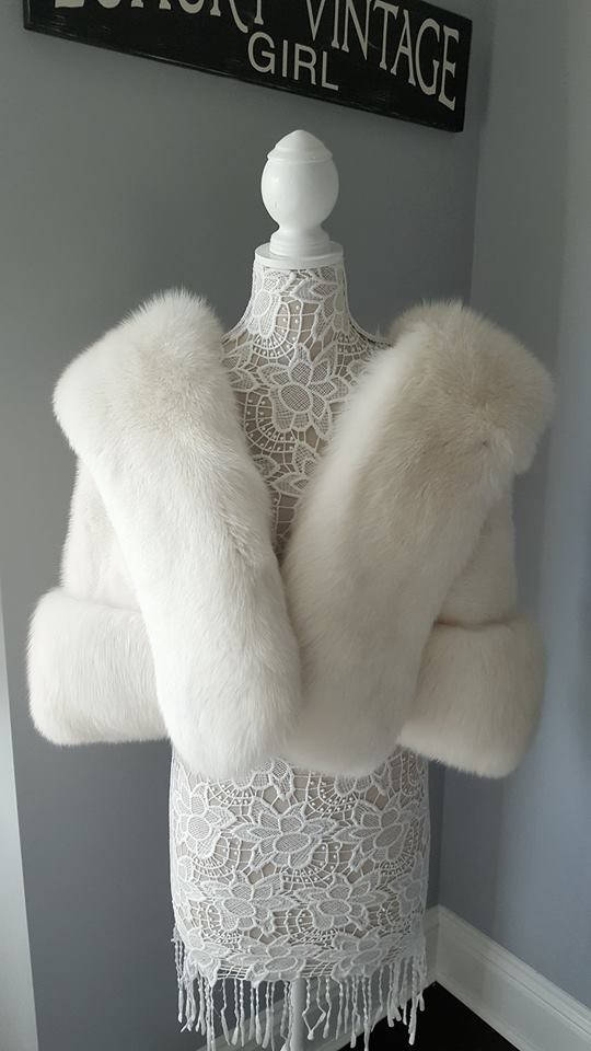 white fur stole paired - 540×960