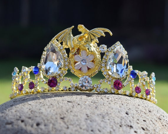 Mal Dragon Tiara, Gold Dragon Crown, Mal Engagement Costume, Dragon Descendants Fan Gift, Gift for Dragon or Disney Fan, Queen of Dragons