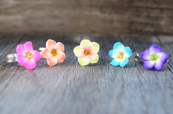 Kids Hawaiian Flower Rings, Small Adjustable Ring for Children, Polymer Clay Plumeria Rhinestone Rings, Gift for Little Girl, Kid Size Ring