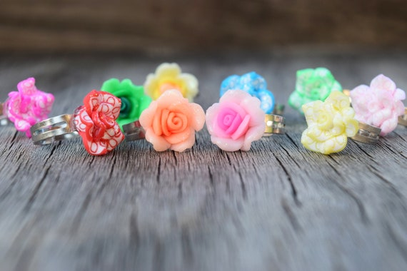 Kids Glitter Flower Rings, Small Adjustable Ring for Children, Polymer Clay Rose Rings Metal Band, Gift for Little Girl, Fun Kid Size Rings