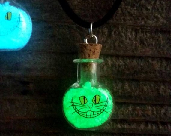 Glowing Cheshirecat Necklace, Glow in the Dark Cheshire Cat Bottle Necklace, Alice in Wonderland, Cheshire Cat Smile, Festival Jewelry