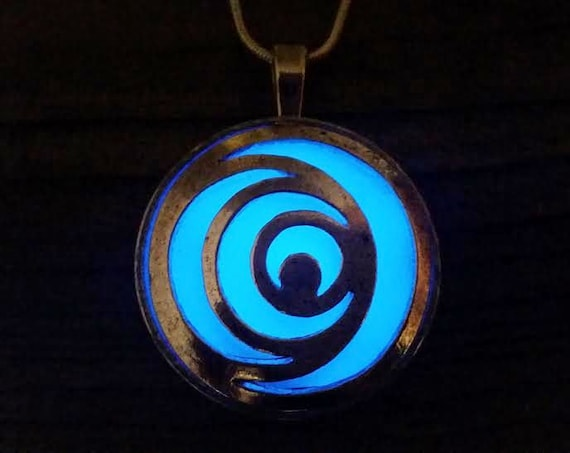Glow Loric Necklace, I Am Number Four Glow in the Dark Lorien Legacies Necklace, Number 2, 3, 4, 5, 6, 7, 8, 9 Glowing Pendant