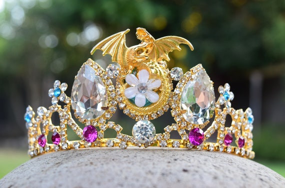 Mal Dragon Tiara, Gold Dragon Crown, Mal Engagement Costume, Dragon Descendants Fan Gift, Gift for Dragon or Disney Fan, Queen of Dragons