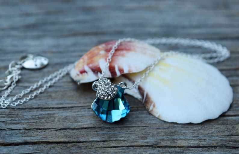 Ocean Wedding Bridesmaid Set Formal Blue Mermaid Necklace Blue Nautical Beach Shell Mermaid Necklace and Earrings Blue Seashell Necklace