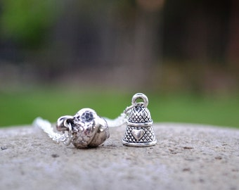 Peter Pan Best Friend Necklaces, Peter and Wendy Darling Kiss Friendship Necklace, Acorn Thimble Couples Necklaces, Dainty Acorn Necklace