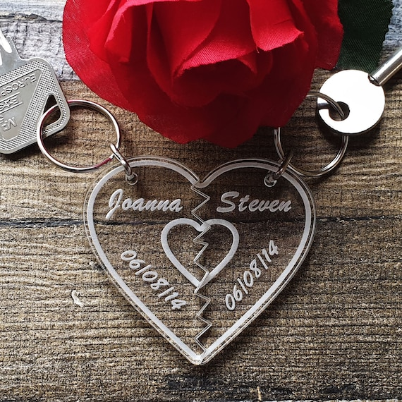 Personalised Split Love Heart Couples Keyring Engraved With Names /& Date