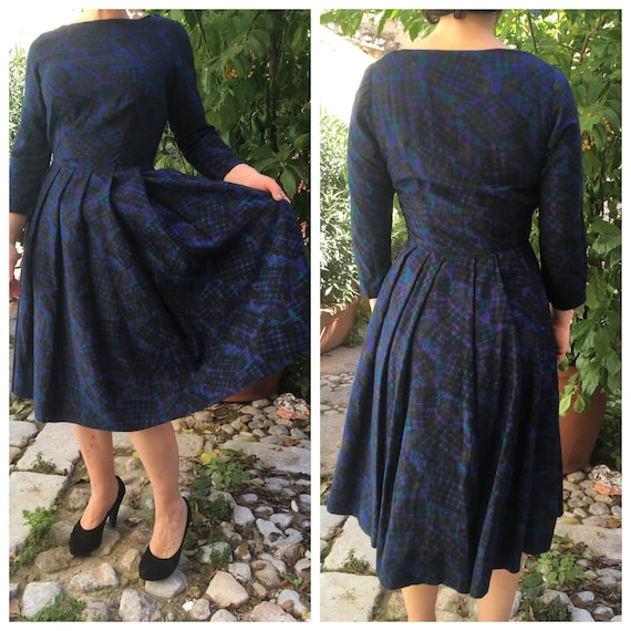 Original 50s dark patterned dress with tulle under