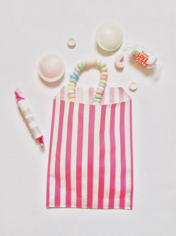 **special offer**30 x STRIPED PINK  CANDY PAPER BAGS FOR SWEETS//CANDY