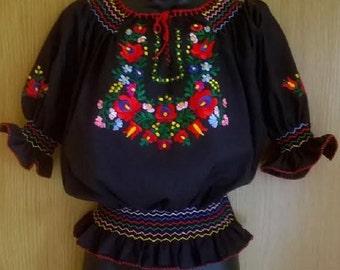 Tradizionale nero ricamato a mano ungherese Matyo folk art camicetta S, M, taglia L
