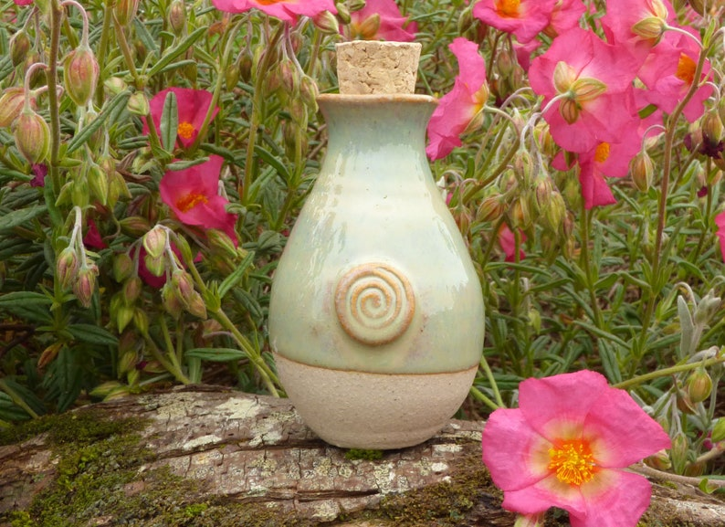 St.Brigids Well Water Goddess Ceramic Pearl Keepsake. Unique image 0
