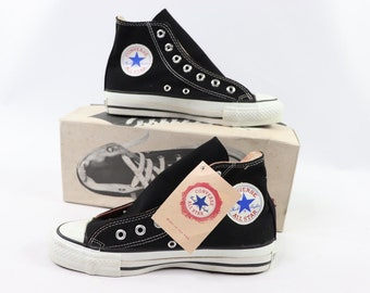 71baa5436087 90s New Converse Chuck Taylor All Star Hi Canvas Sneakers Shoes Mens Size  5.5 Womens 7.5 Black White