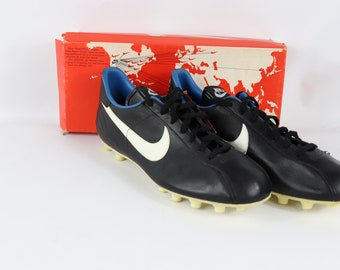 a340e56a32d 80s New Nike United Leather Soccer Shoes Cleats Boots Black White Mens, 80s  Nike, 80s Nike Shoes, 80s Soccer Shoes, 80s Soccer, 80s Clothing