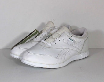 38a913cb3b2 90s Reebok Leather Fitness Walkers Lace Up Spell Out Casual Sneakers Shoes  Womens Size 9.5 White, Vintage Reebok Shoes, 90s Reebok Shoes