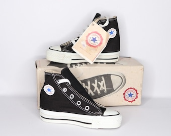 97a88841a08c 90s New Converse Chuck Taylor All Star Hi Canvas Sneakers Shoes Youth Size  9.5 Black White Made in USA