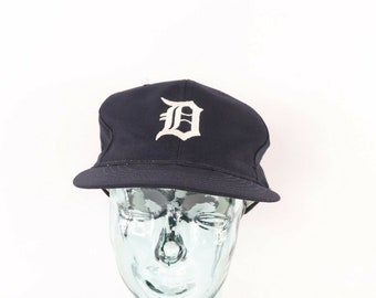 6dd2e87db0671 80s Detroit Tigers MLB Baseball Old English D Snapback Hat Cap Navy Blue