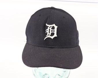 6683fb0c2f0 90s New Era Mens Size 7 Detroit Tigers MLB Baseball Fitted Hat Cap Blue
