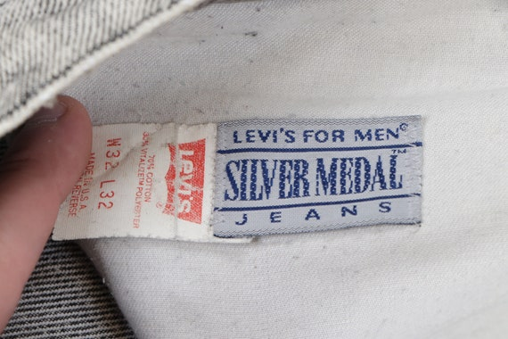 80s Levis Streetwear Distressed Faded Acid Wash D… - image 5