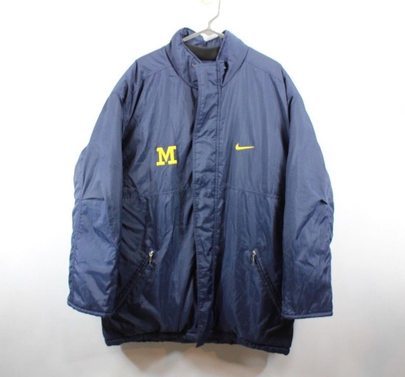 08150dda15 90s Nike Michigan Wolverines Team Issued Full Zip Puffer Parka Jacket Mens  Large... 90s Nike Michigan Wolverines Team Issued Full Zip Puffer Parka  Jacket ...