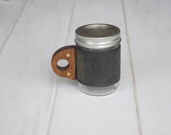 The Sprig Mug Sleeve in Old town Sage & Rosewood