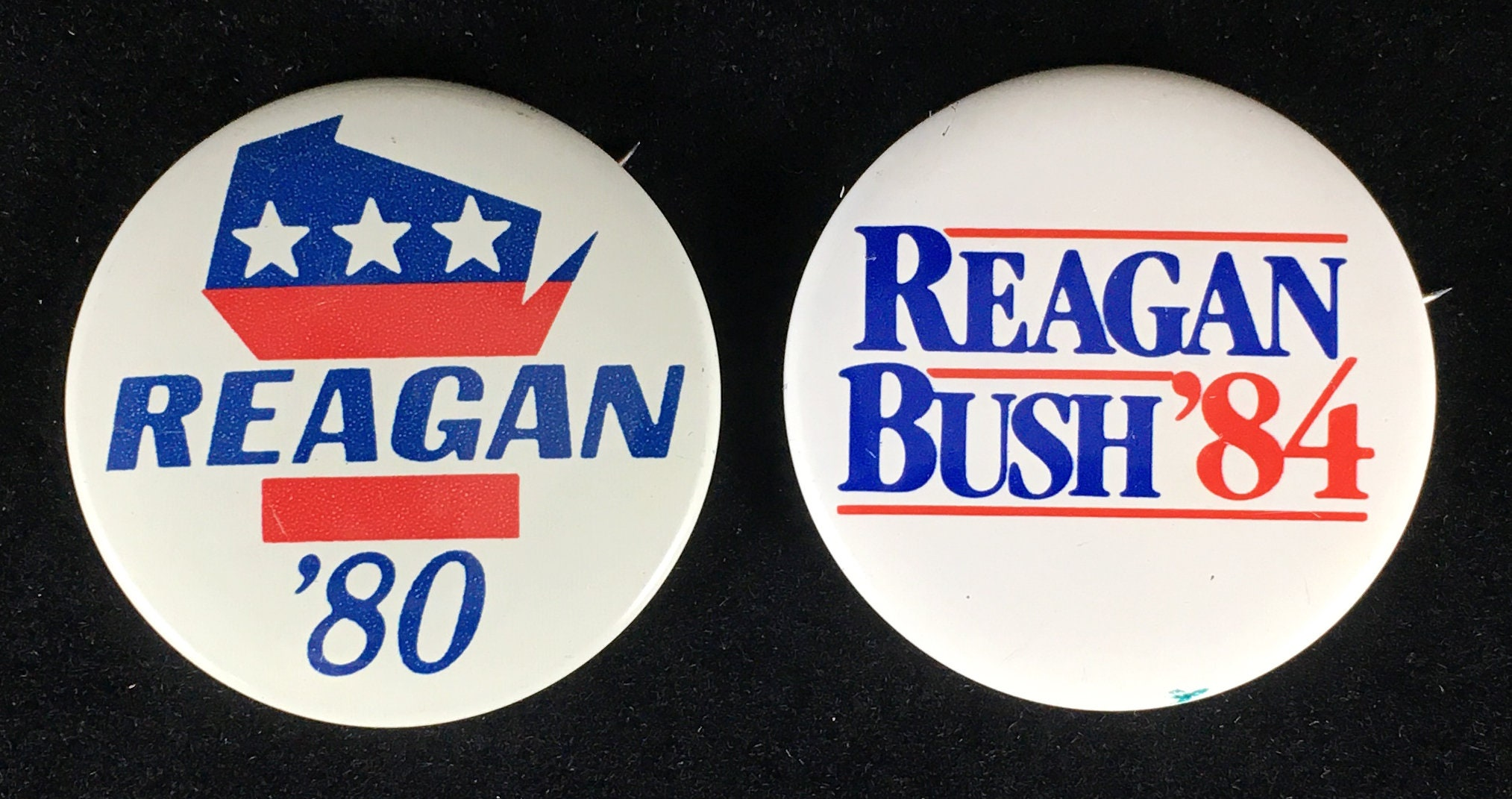 Vintage RONALD REAGAN FOR PRESIDENT Campaign Heart Pinback Pin Button 1980