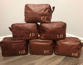 Personalized Shaving Kit Groomsmen Toiletry Bag Leather Dopp Kit Gift  Wedding Brown Groom Travel Husband Father Brother Boyfriend dca22494f5