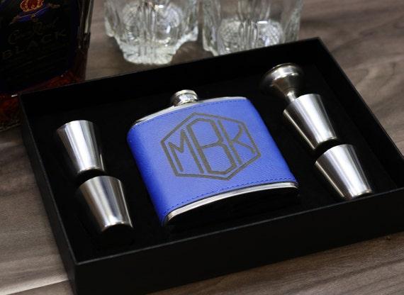 6e082b453c7c Groomsmen Gift Flask Set Personalized Engraved Box Set Women Best Man  Bridesmaid Bachelor Party Proposal Wedding