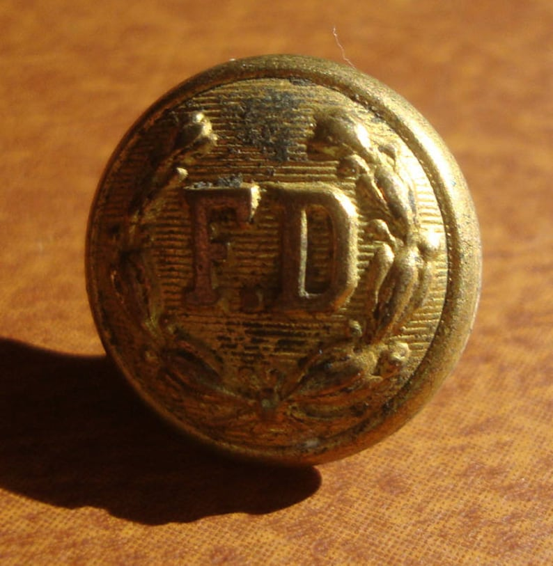 Sewing Craft B22218K DIY Quilting Vintage 38 Antique Brass Fire Dept Pre 1911 Chas Rubens Co Chicago Button Retro Sewing Collectable