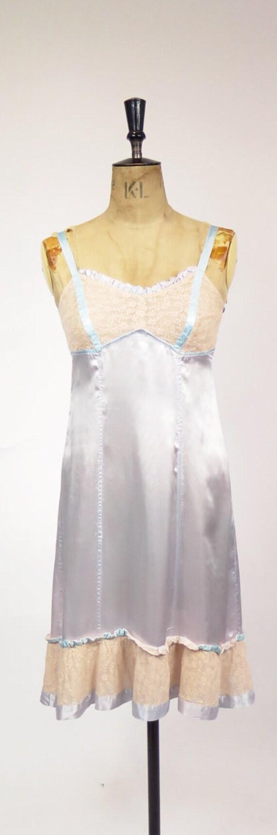 Original Vintage 1940-50s Dusky Blue Nude Lace Sl… - image 5