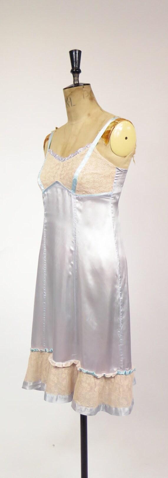 Original Vintage 1940-50s Dusky Blue Nude Lace Sl… - image 4