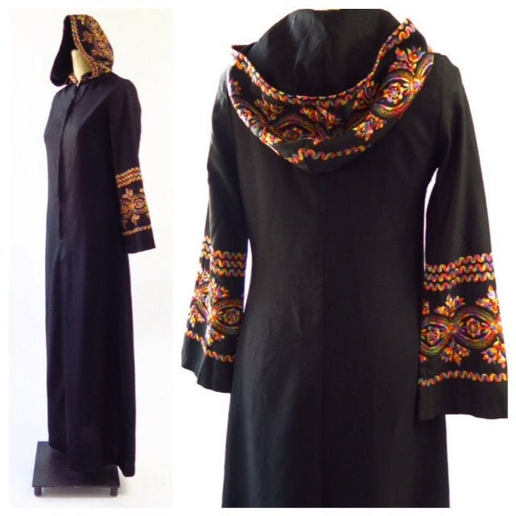 1970s Hooded Maxi Dress