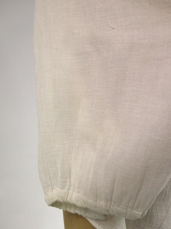 Original Vintage 1940s Hand Embroidered Sheer Hun… - image 9