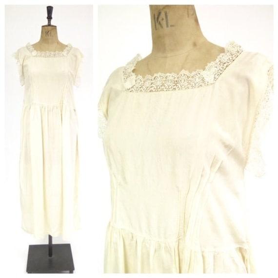 Original Vintage 1920s Deco Cream Silk And Lace D… - image 1