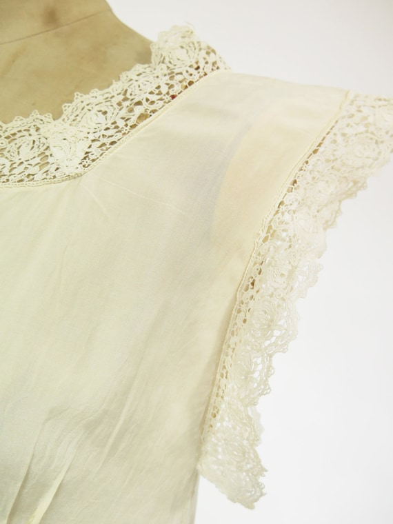 Original Vintage 1920s Deco Cream Silk And Lace D… - image 6