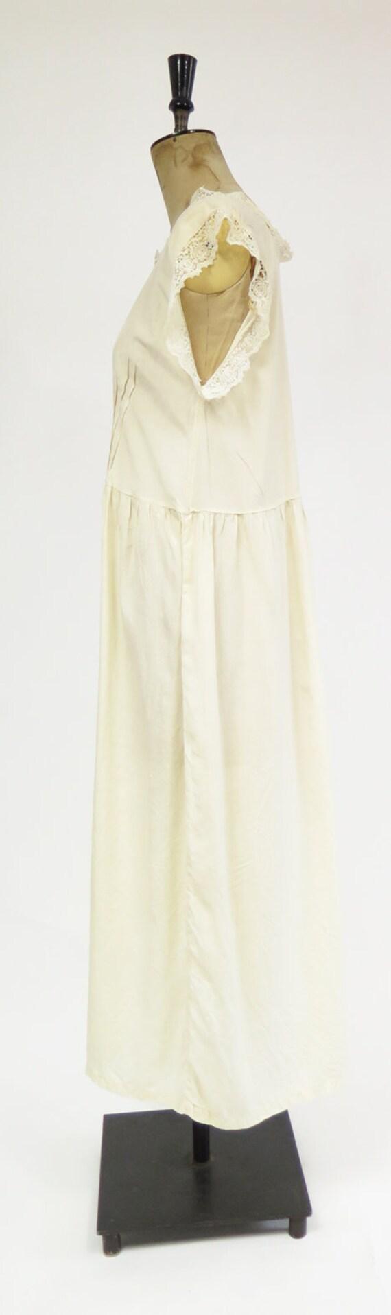 Original Vintage 1920s Deco Cream Silk And Lace D… - image 4