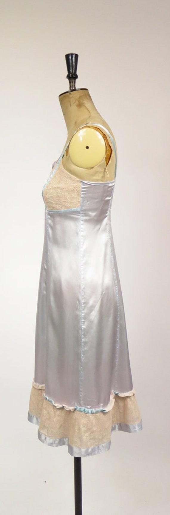 Original Vintage 1940-50s Dusky Blue Nude Lace Sl… - image 3