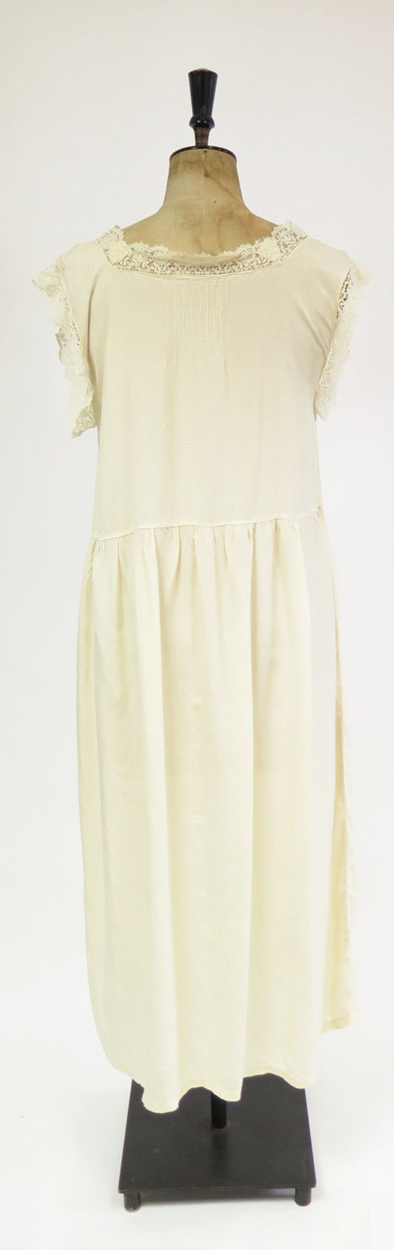 Original Vintage 1920s Deco Cream Silk And Lace D… - image 5
