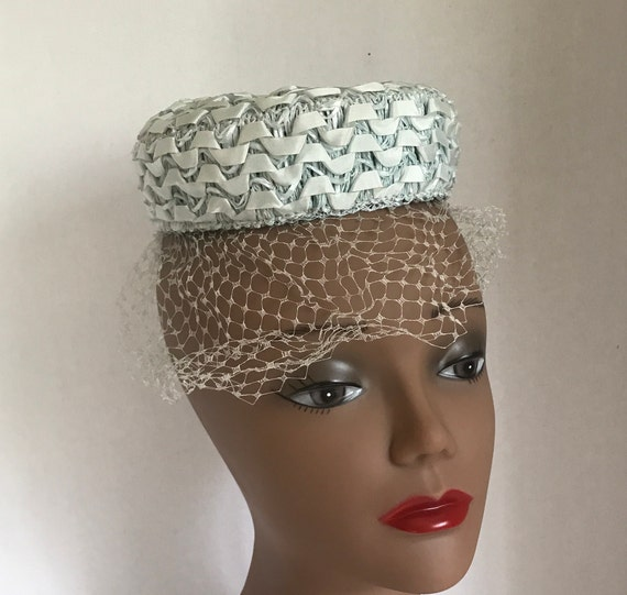 50s Small Blue Pillbox Hat Raffia with Ribbon and… - image 3
