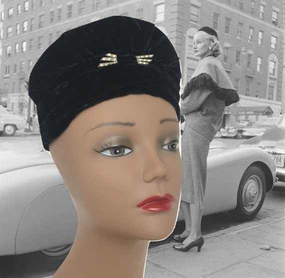 Vintage 40s Black Velvet Turban Rhinestone Clip Ol