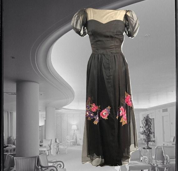1930/'s Luna Green Chiffon Sweetheart Ruffle Gown